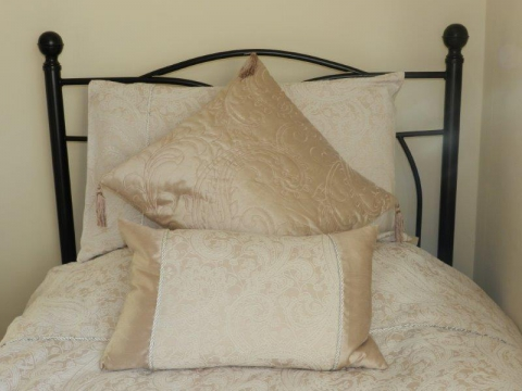 Bed 2 Q