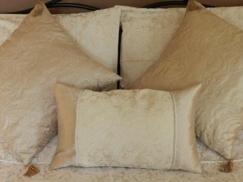 Bed 2 V